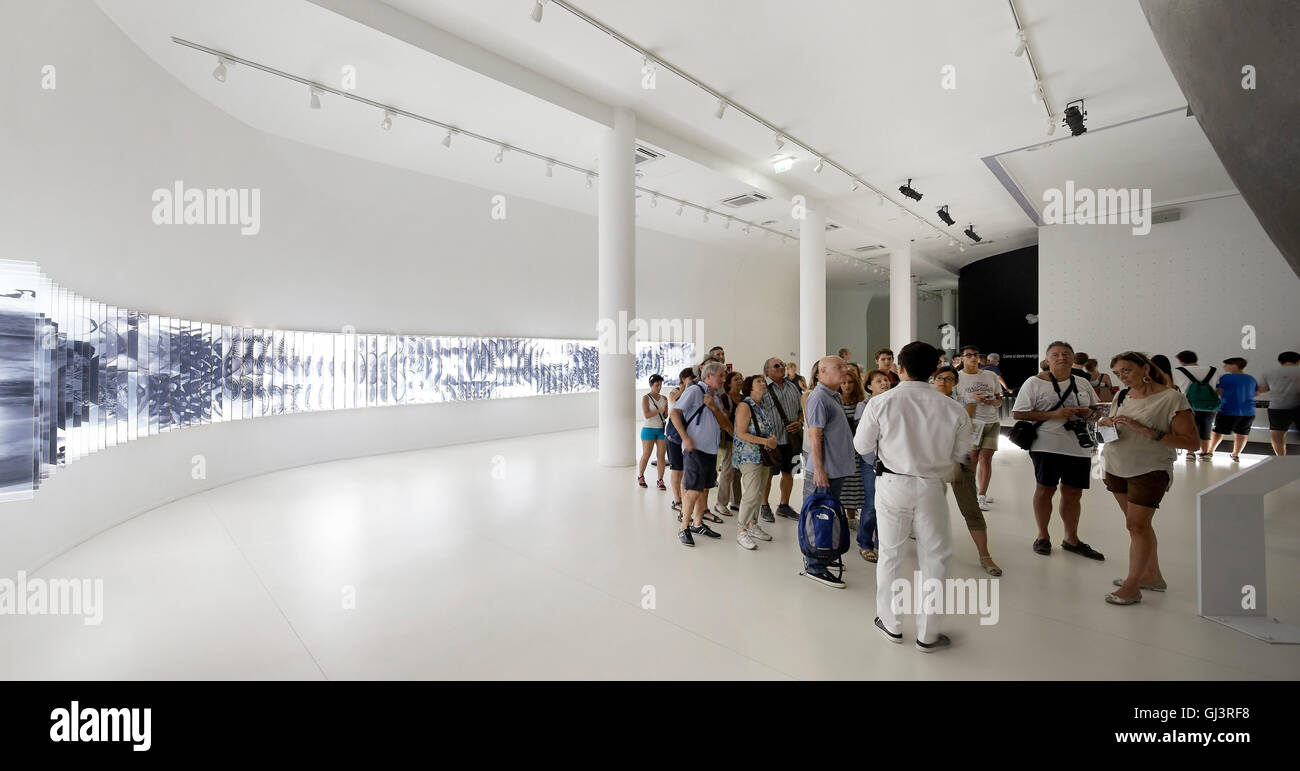 Exhibition hall with curved, digital display. Milan EXPO 2015, Korea Pavilion, Milan, Italy. Architect: BCHO Architects, - Stock Image