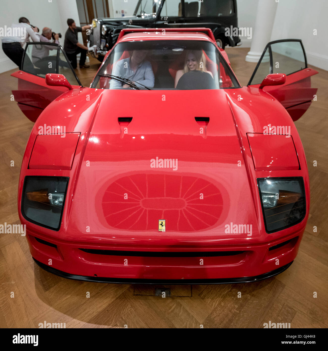 London, UK.  12 August 2016.  A 1990 Ferrari F40, named in celebration of the company's 40th birthday (est. GBP Stock Photo