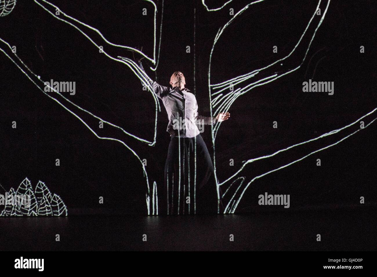 Fusing dance, storytelling, interactive animation and specially composed music, Chotto Desh is a bewitching dance - Stock Image