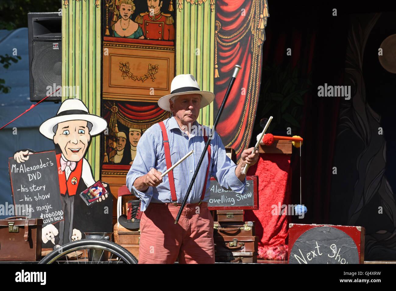Mr Alexander of Mr Alexander's Travelling Show juggling childrens entertainment entertainer theatrical traveller - Stock Image
