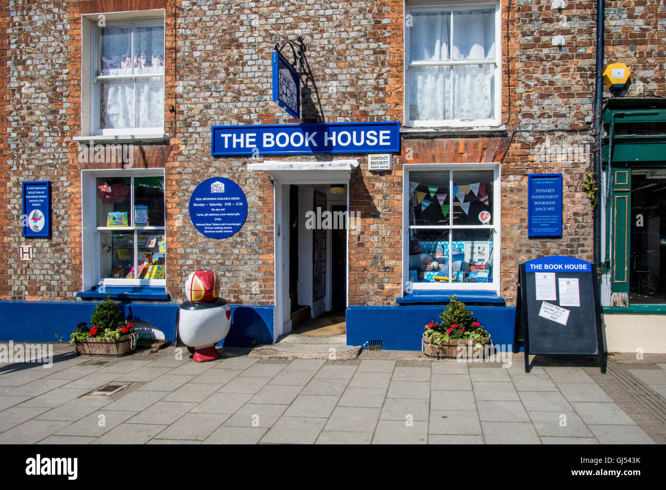 Book shop in town of Thame Oxfordshire England - Stock Image