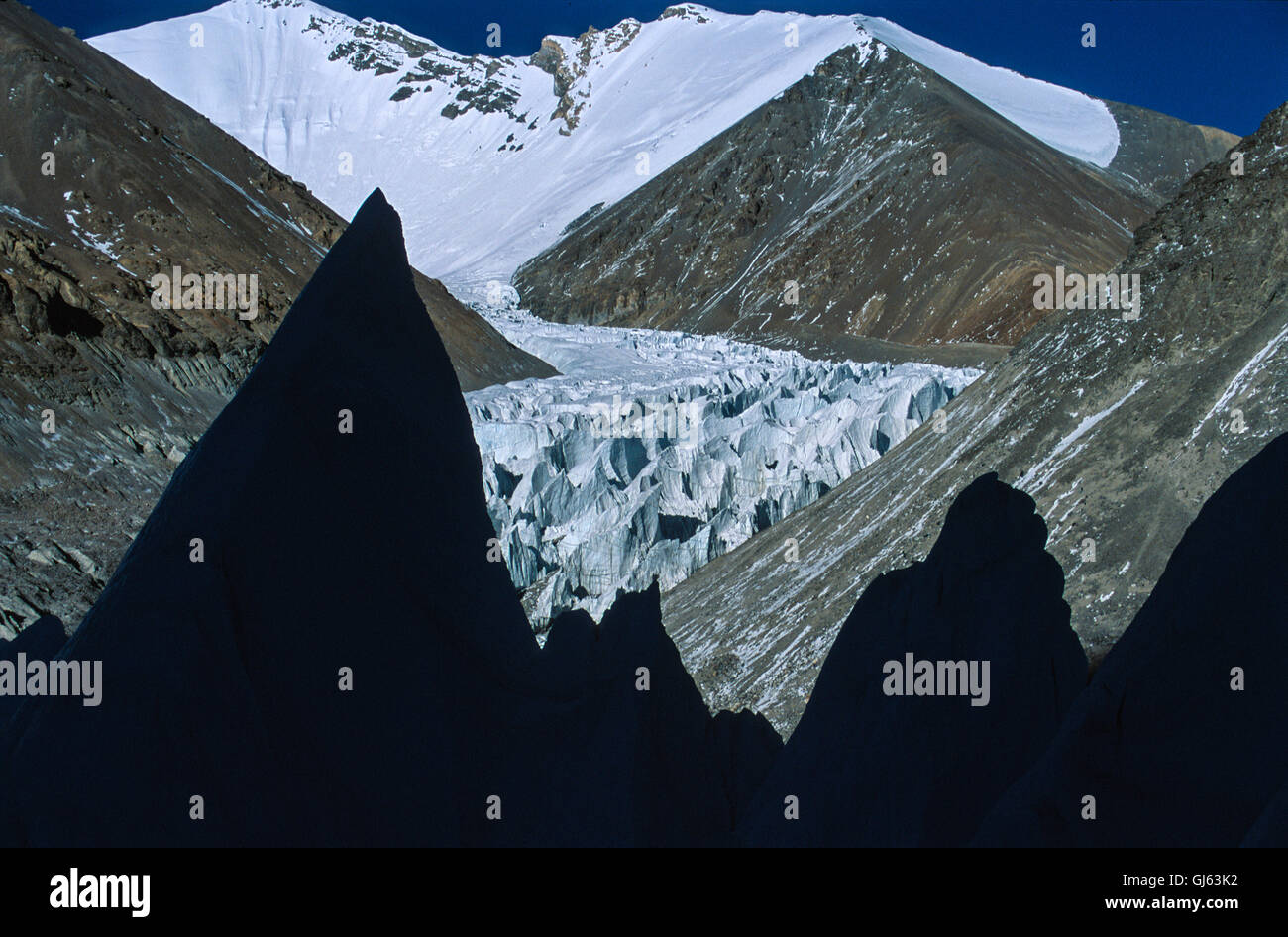 On East Rongbuk Glacier the famous George Mallory's Magic Highway' with silhouette of ice pinnacles between - Stock Image