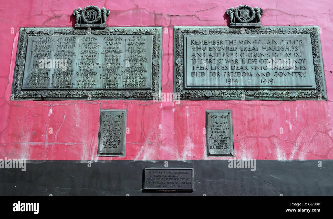 Transferred 1914-18 & 1939-45 tablets Tib St, Manchester. Originally at J & N Phillips & Co Ltd 1826-1969 Stock Photo