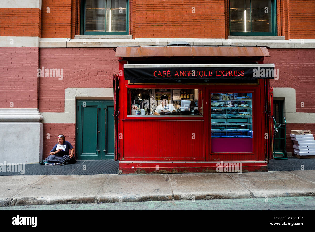 New York, USA - 8 Aug 2016 - Take out lunch shed on Prince Street in Soho ©Stacy Walsh Rosenstock/Alamy - Stock Image