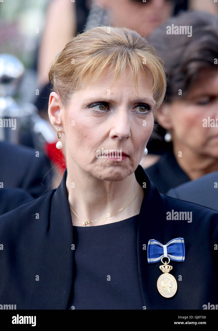 Bucharest, Romania. 13th Aug, 2016. Princess Maria of Romania takes part in the burial ceremony for late Queen Ana of Romania, who died 01 08 2016 in Morges (Switzerland), at Curtea de Arges in Bucharest, Romania, 13 August 2016. Photo: Albert Nieboer//dpa/Alamy Live News Stock Photo
