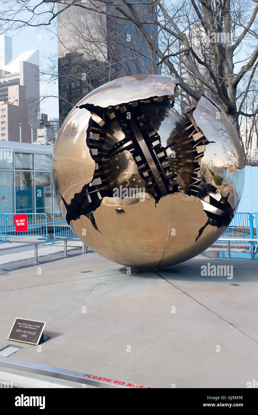 New York City USA United Nations Building.  Sphere within a Sphere by sculptor Arnaldo Pomodoro. - Stock Image