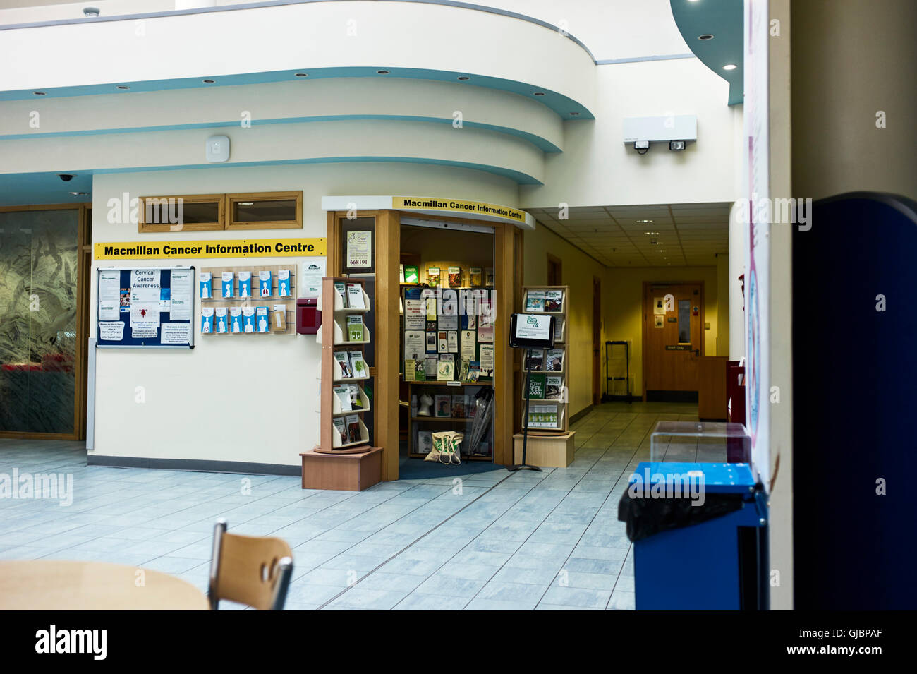 Macmillan cancer information centre in a hospital - Stock Image