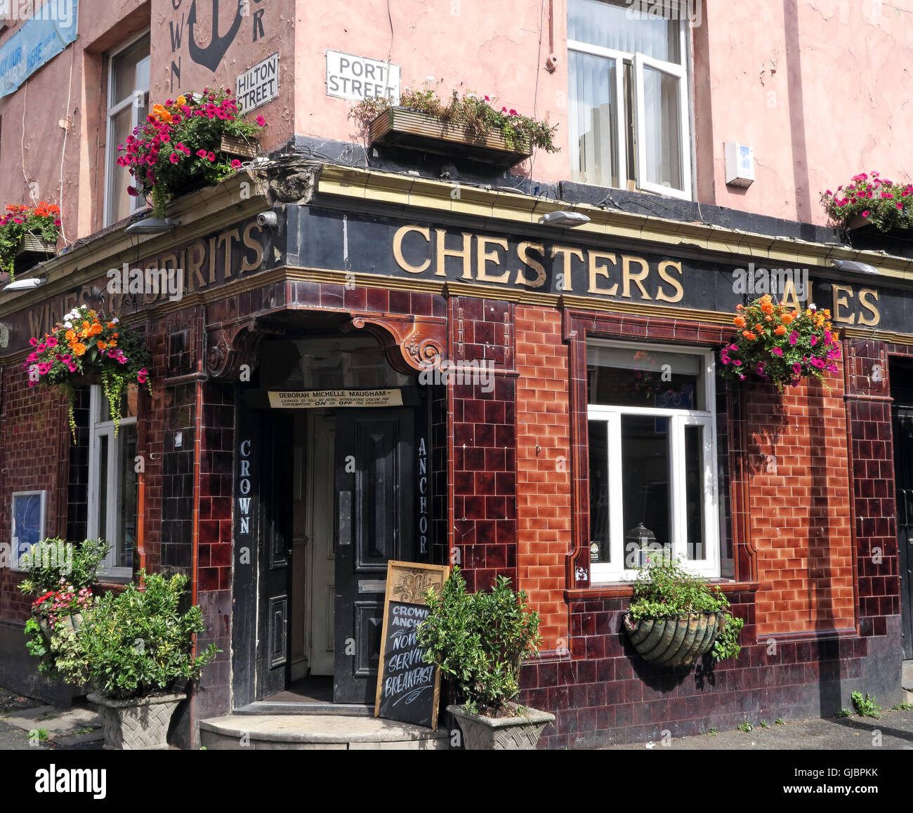 The Crown & Anchor, Port St, Northern Quarter, Manchester, old Chesters Ales sign - Stock Image