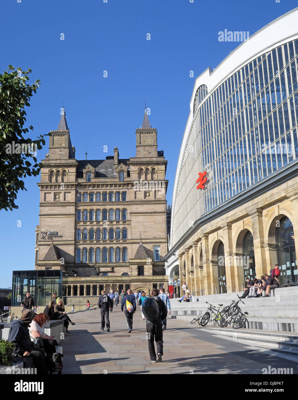 Approach to Lime Street mainline railway station, Liverpool, North West England, L1 1JD - Stock Image
