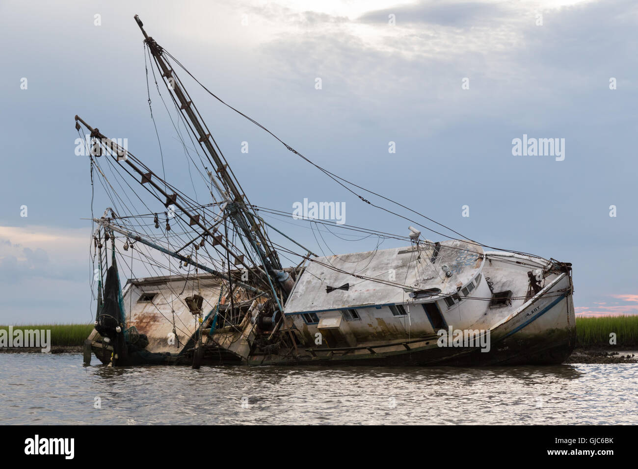 Sinking Boat Stock Photos Sinking Boat Stock Images Alamy