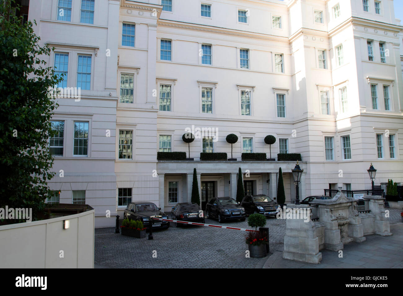 The Lanesborough Hotel Belgravia district in West London in the City of Westminster  the Royal Borough of Kensington - Stock Image
