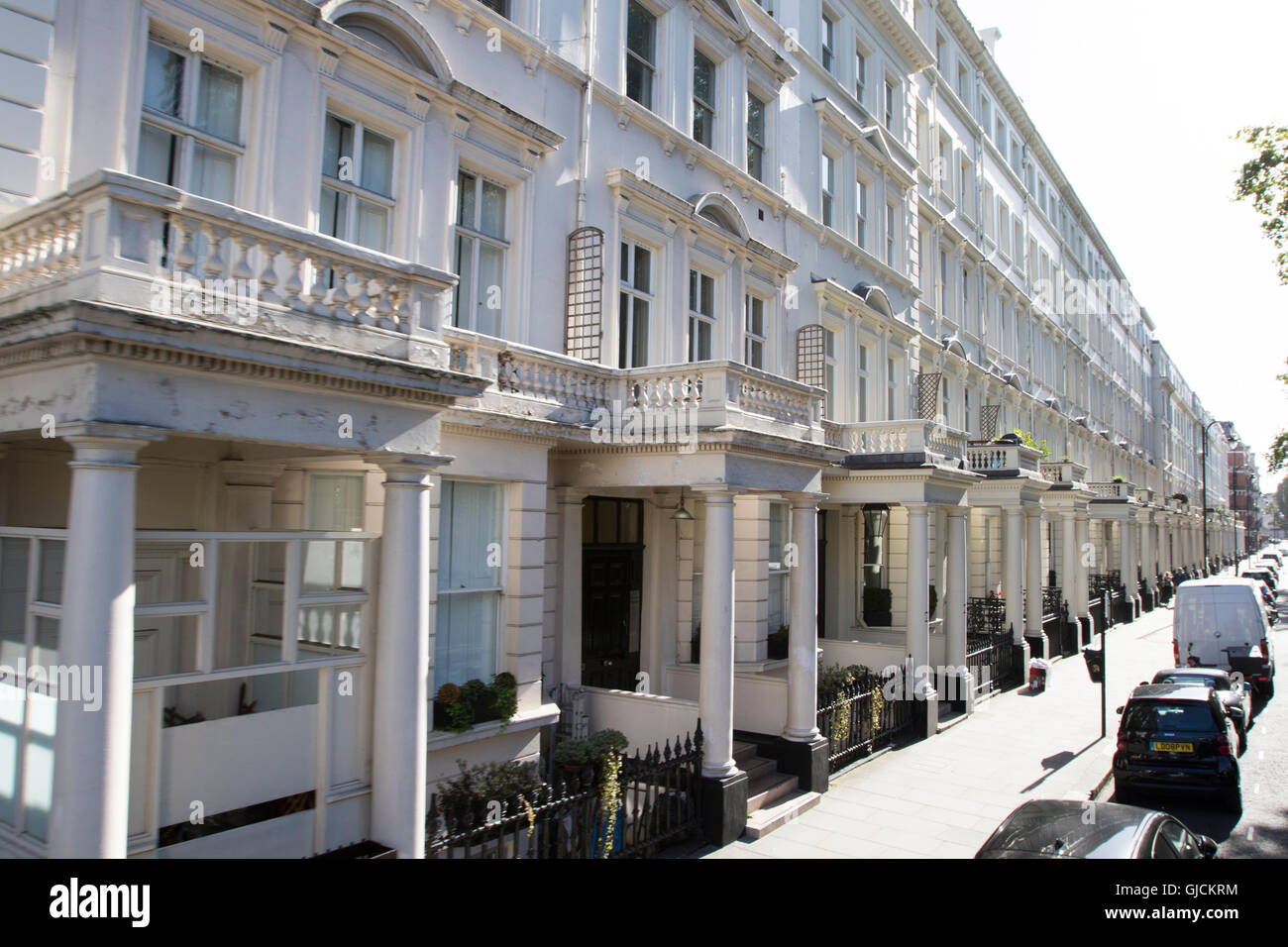 streets and restaurants in the Royal Borough of Kensington and Chelsea and the City of Westminster Greater Central - Stock Image
