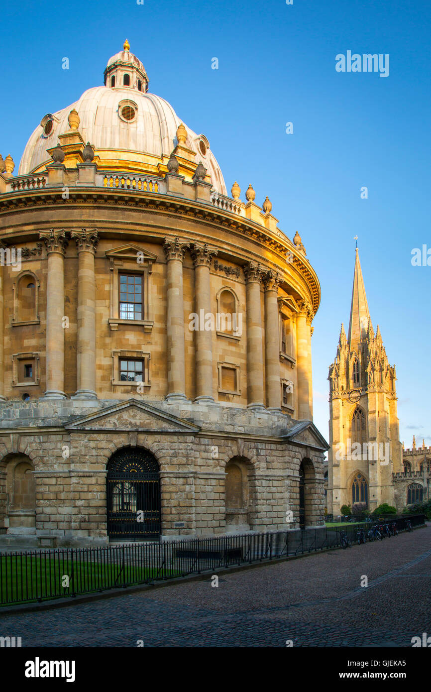 Evening view over Radcliffe Camera and spire of St. Marys, Oxford, Oxfordshire, England - Stock Image
