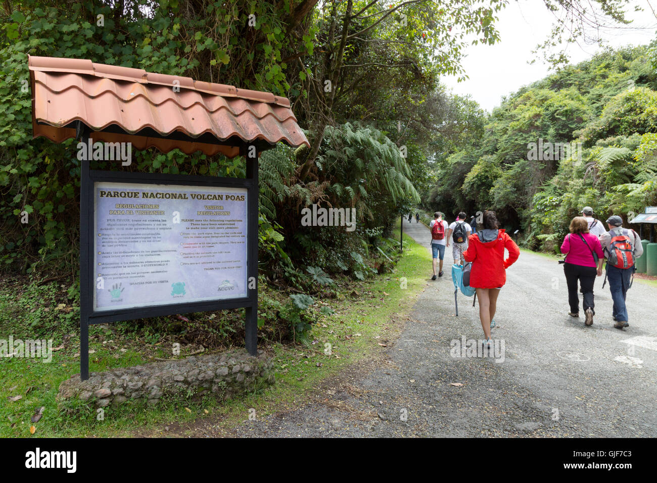 Tourists entering Poas Volcano national park, ( Parque Nacional Volcan Poas ), Costa Rica, Central America - Stock Image