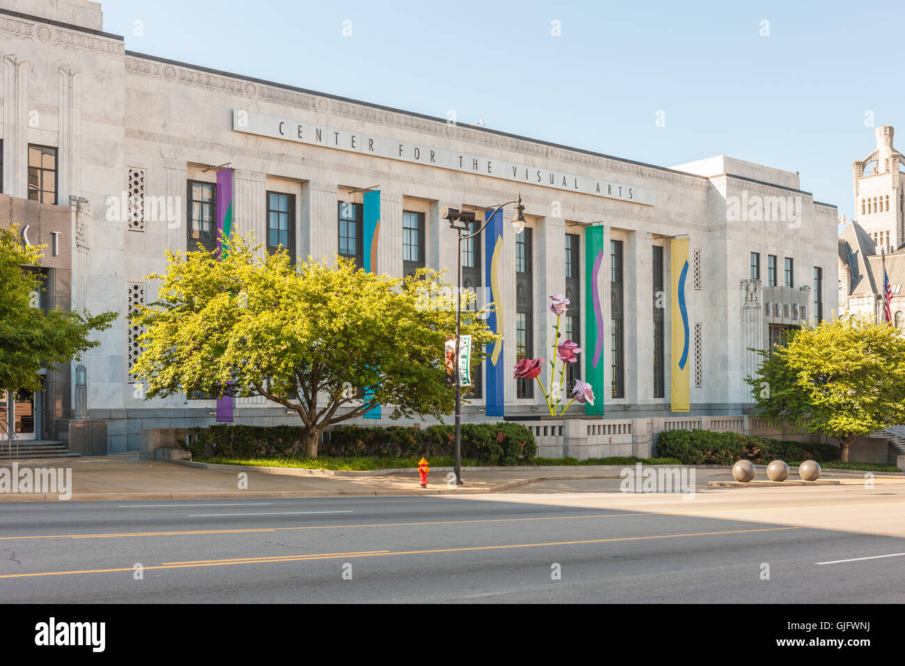 The Frist Center for the Visual Arts in the historic Art Deco former US Post Office building on Broadway in Nashville, - Stock Image