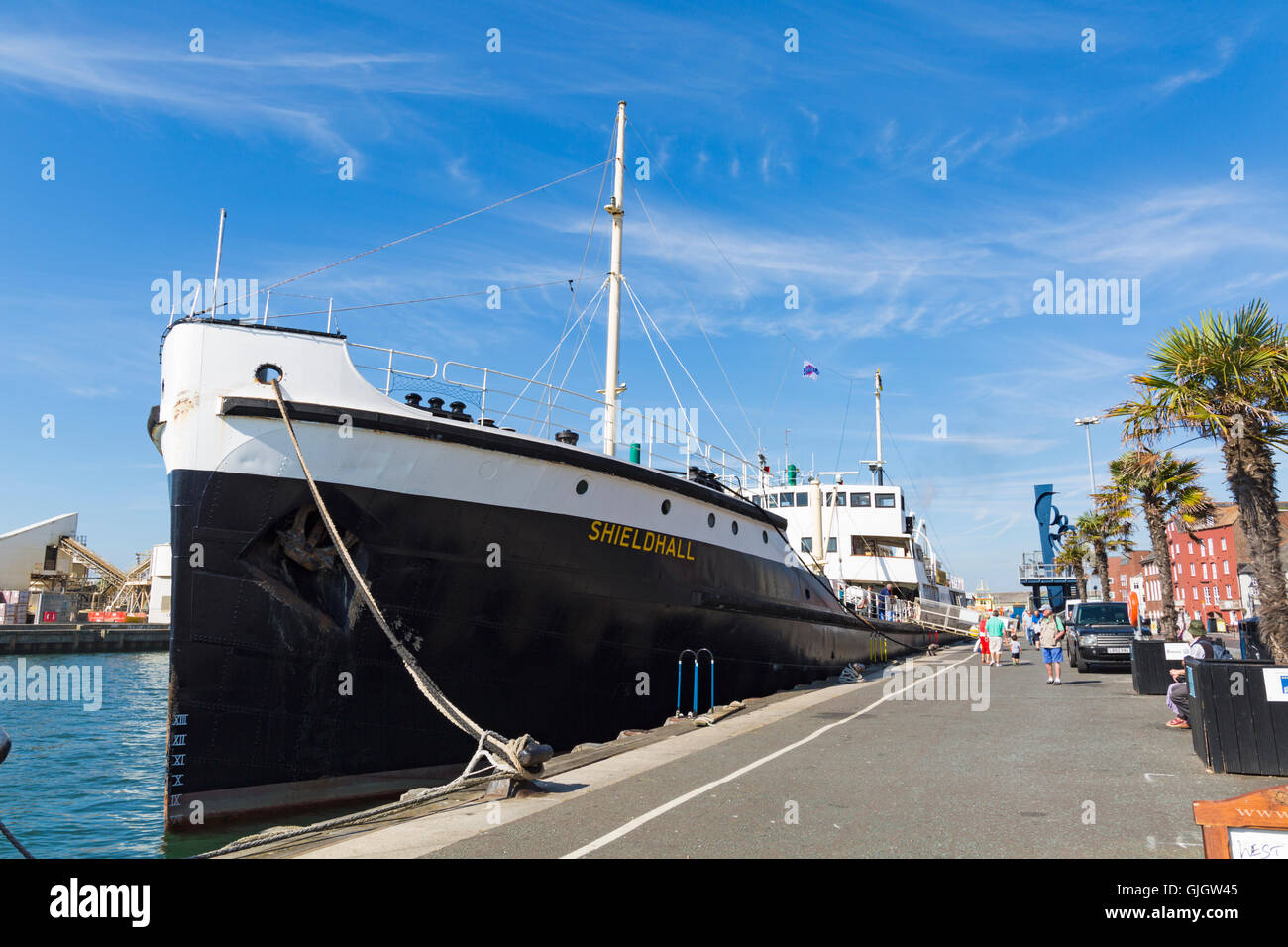 Poole, Dorset, UK. 16 August 2016 UK weather: Shieldhall, the largest working steamship of her kind in Europe, is Stock Photo