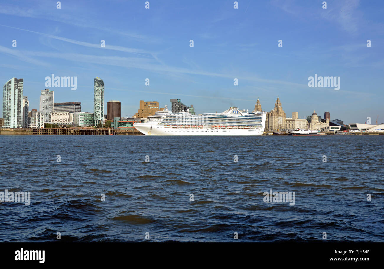 Liverpool, UK. 16th August, 2016. A large cruise ship, Caribbean Princess, berthed in Liverpool on Tuesday, 16 August. - Stock Image