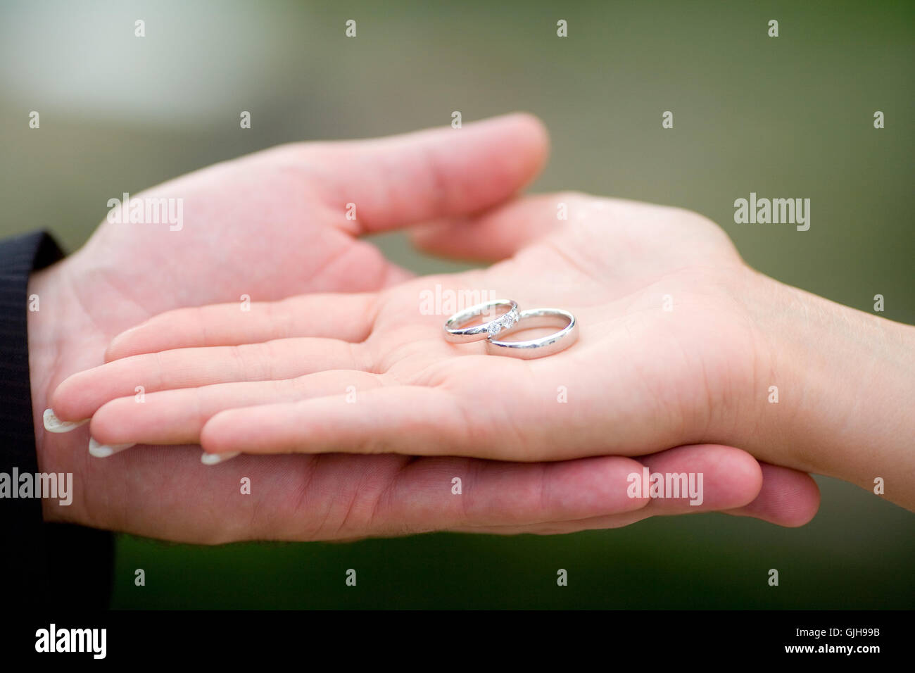 Showing Wedding Rings Ceremony Stock Photos & Showing Wedding Rings ...