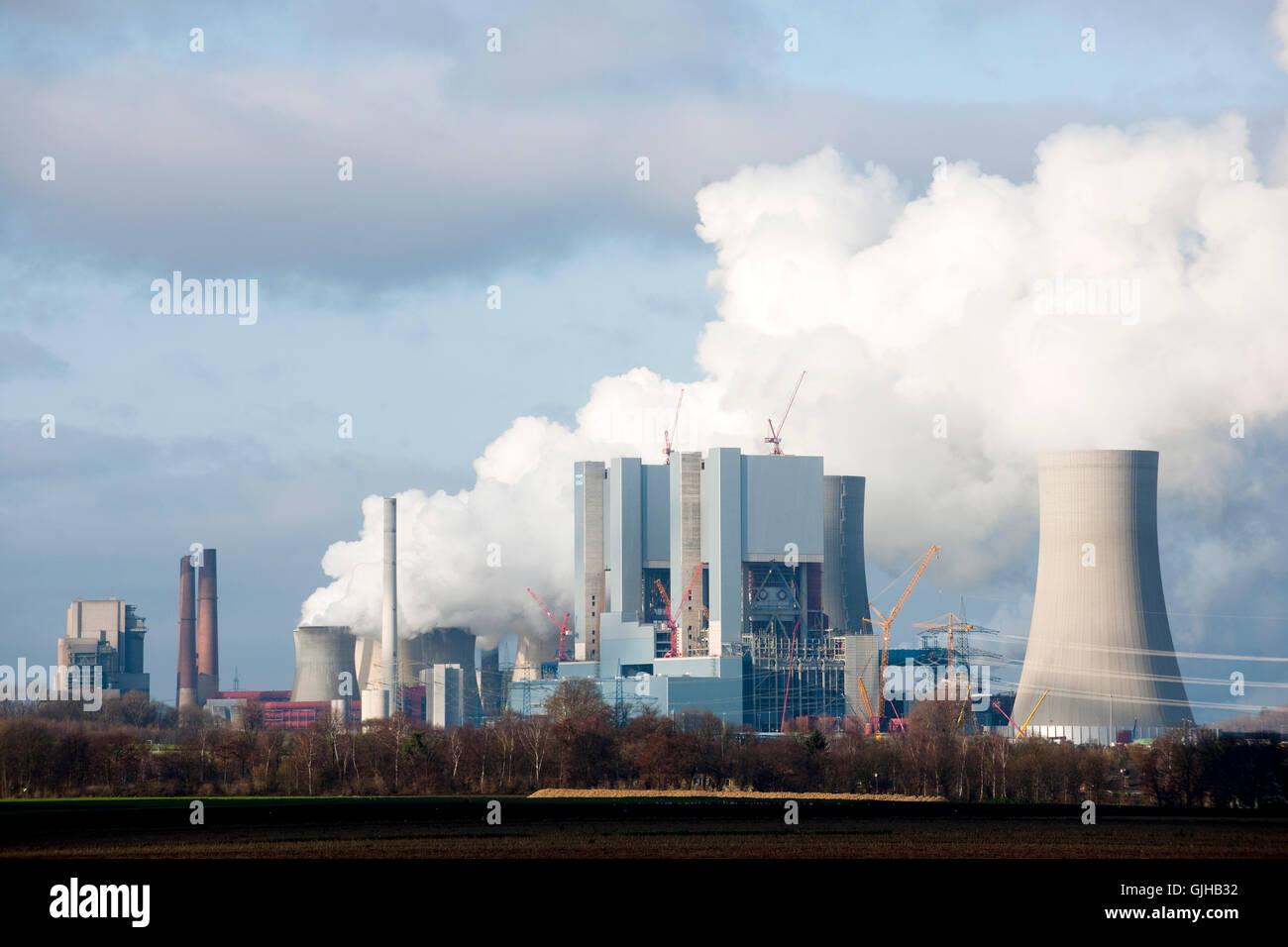 BRD, Deutschland, NRW, Rhein-Kreis Neuss, Grevenbroich, Neurath, RWE-Kraftwerk Neurath, rechts die Baustelle des - Stock Image