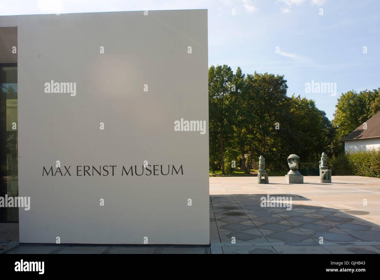 BRD, Deutschland, NRW, Brühl, Max-Ernst-Museum, Eingangsschild - Stock Image