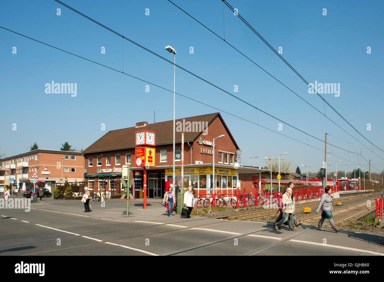 Deutschland, Nordrhein-Westfalen, Rhein-Erft-Kreis, KVB,Hürth-Efferen, Strassenbahnhaltestelle Stock Photo