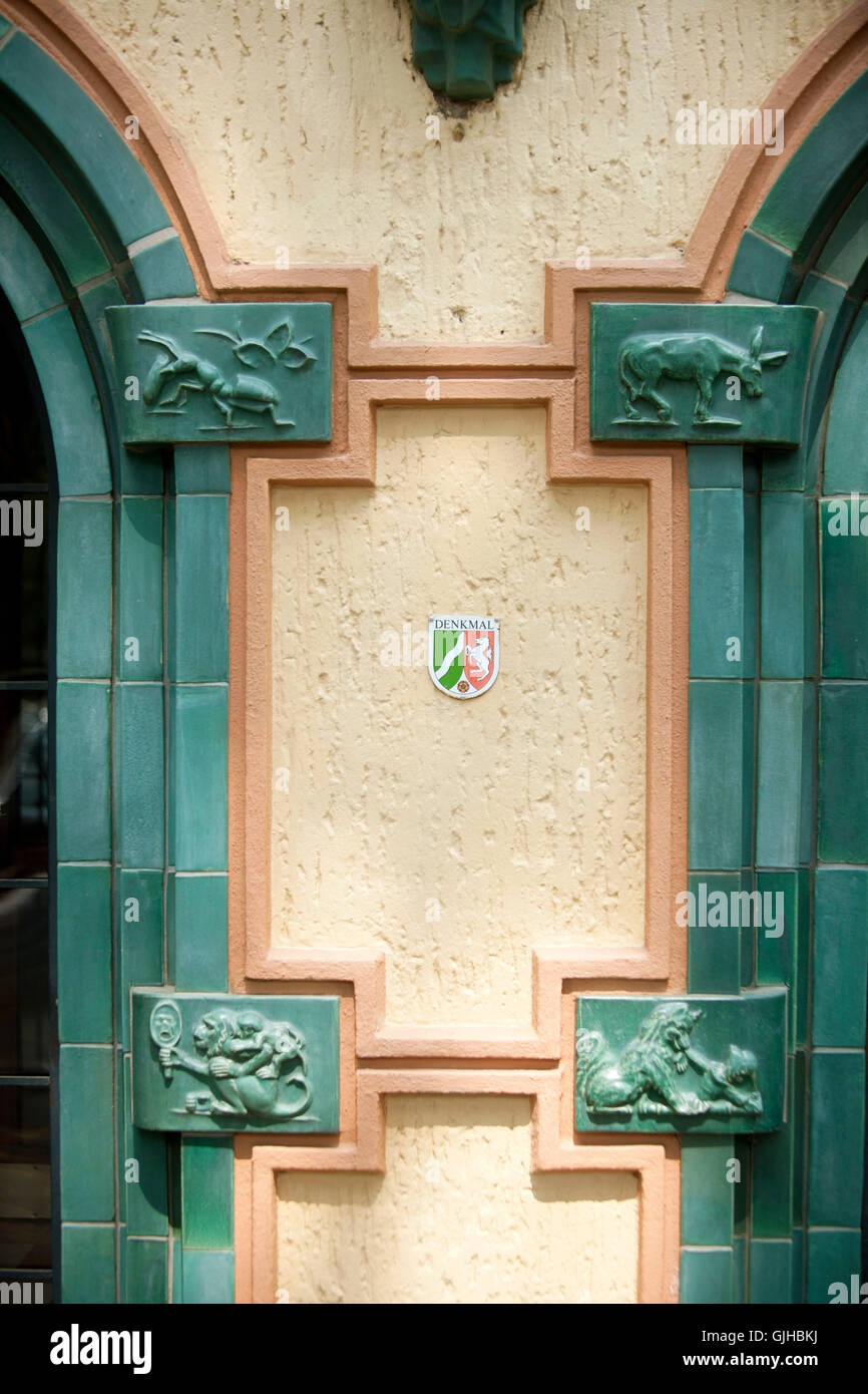 BRD, Deutschland, NRW, Frechen, Freiheitsring 3, Ringschule, Eingangsportal am Freiheitsring - Stock Image