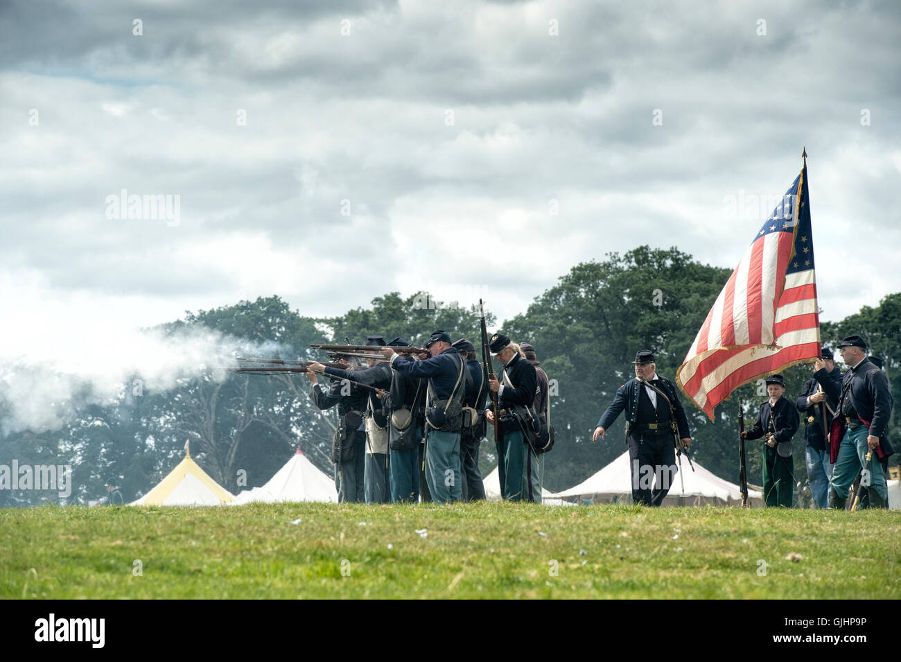 england and the american civil war What's the difference between american civil war and revolutionary war  to  declare independence from england, the general reaction to having to pay more .