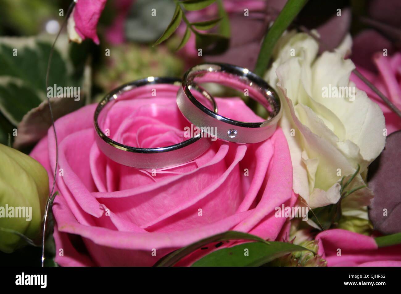 Wedding Rings Wedding Symbols Stock Photos & Wedding Rings Wedding ...