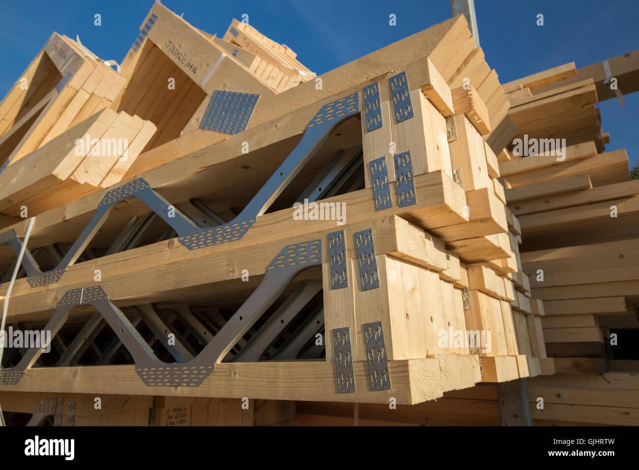 Wooden Roof Truss Uk Stock Photo Alamy