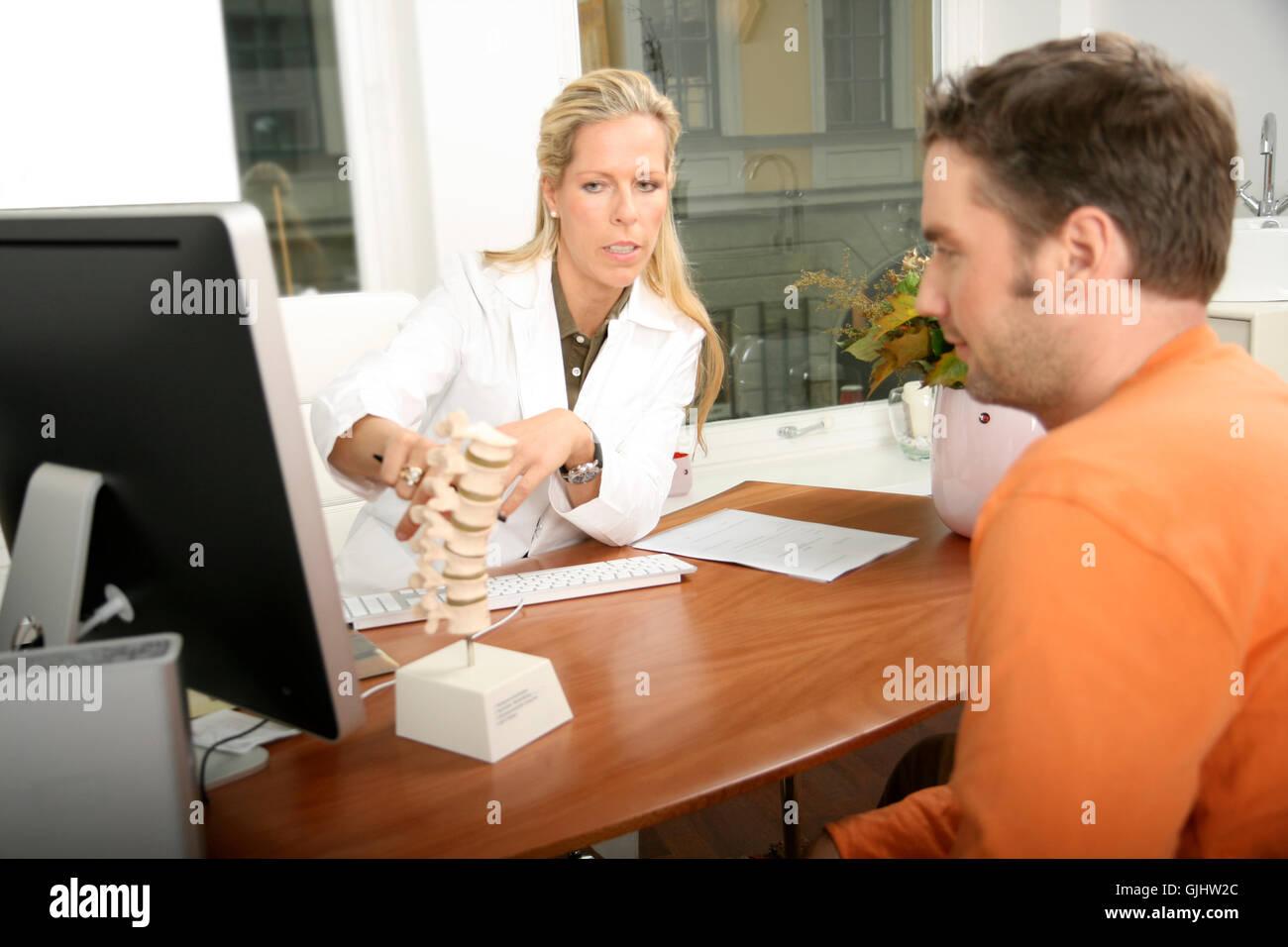doctor talks - Stock Image