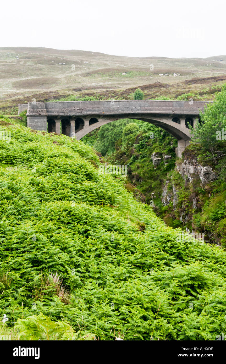 The Bridge to Nowhere at Tolsta on the Isle of Lewis features in the novel The Chessmen by Peter May. - Stock Image