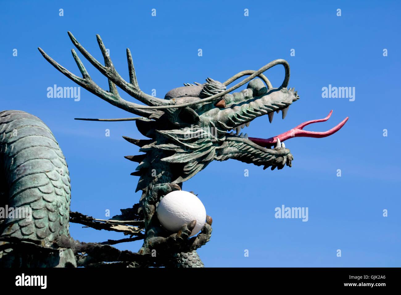 Korean Dragon: Korean Dragon Stock Photo: 114744958