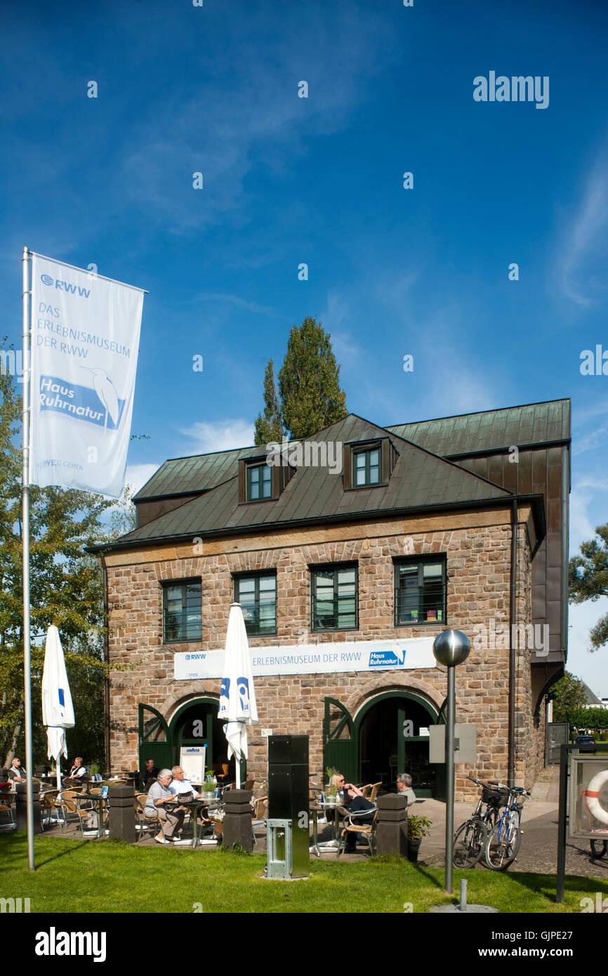 Deutschland, Nordrhein-Westfalen, Mühlheim an der Ruhr, Schleuseninsel, Museum der Rheinisch-Westfälischen - Stock Image
