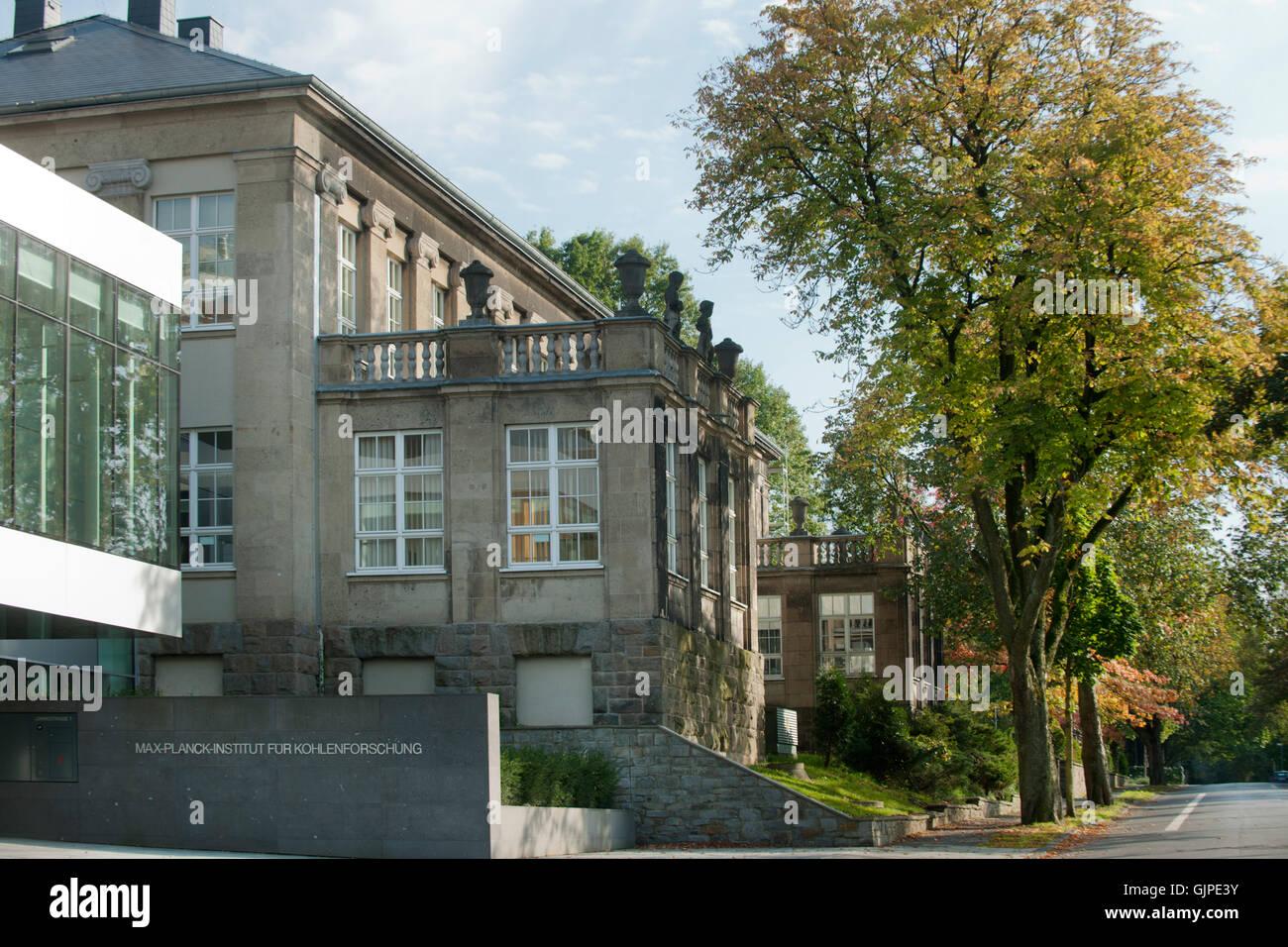 Deutschland, Nordrhein-Westfalen, Mühlheim an der Ruhr, Max-Plank-Institut - Stock Image