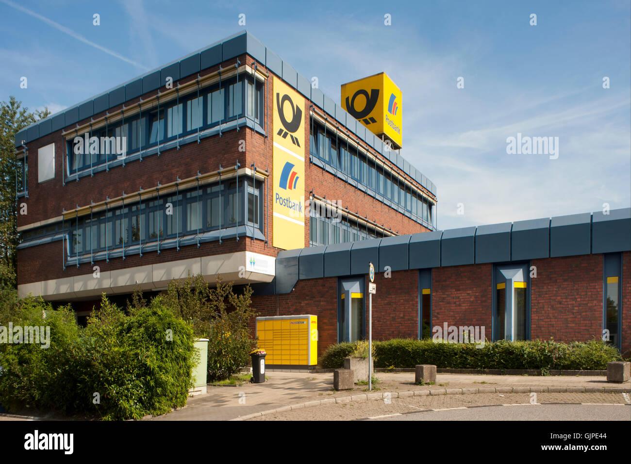 Deutschland, Nordrhein-Westfalen, Mühlheim an der Ruhr, Postamt am Hauptbahnhof - Stock Image