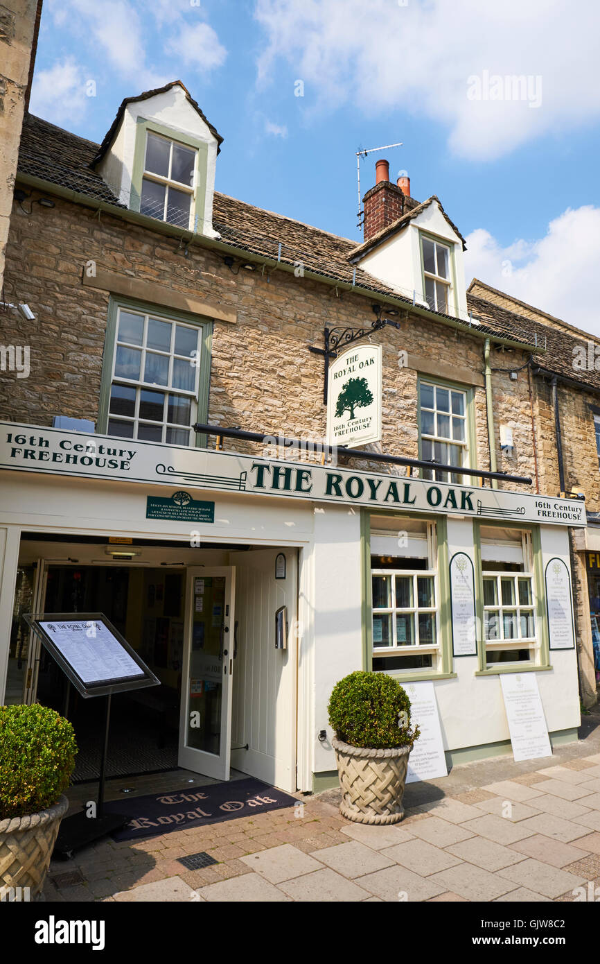 The Royal Oak Public House A 16th Century Freehouse High Street Witney Oxfordshire UK - Stock Image