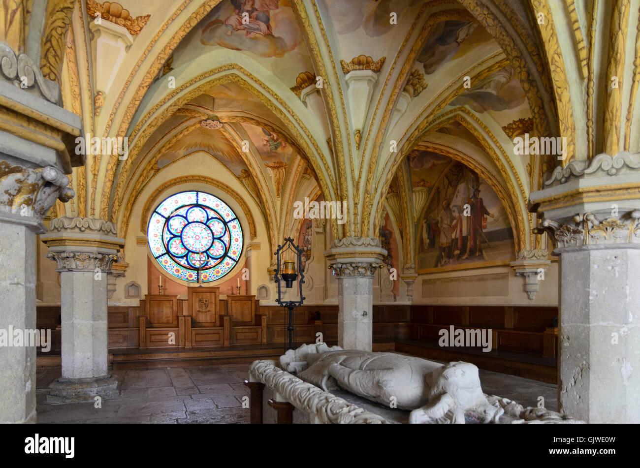 Heiligenkreuz: Heiligenkreuz Monastery: Chapter house with high grave of Duke Friedrich II. (Frederick II) , the - Stock Image