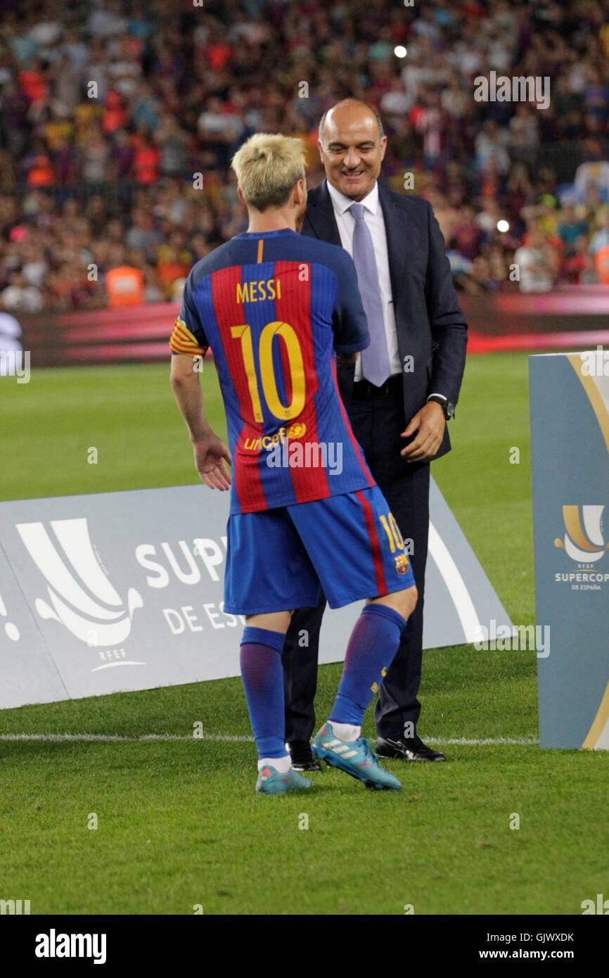 Barcelona, Spain. August 17 2016.Lionel Messi captain receiving the Super Cup of Spain during the match LFC Barcelona - Stock Image