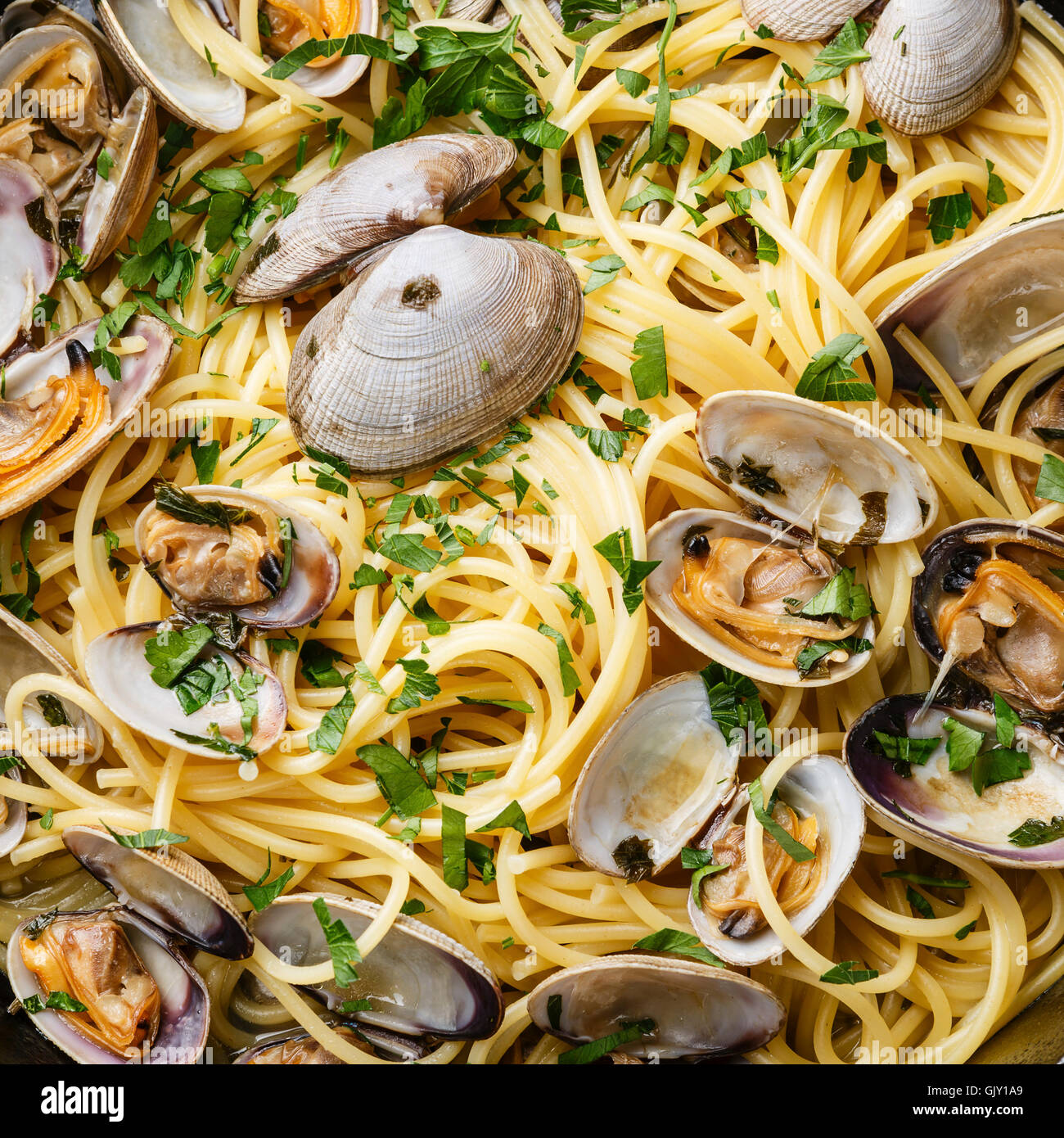 Spaghetti alle Vongole Seafood pasta with clams close up - Stock Image