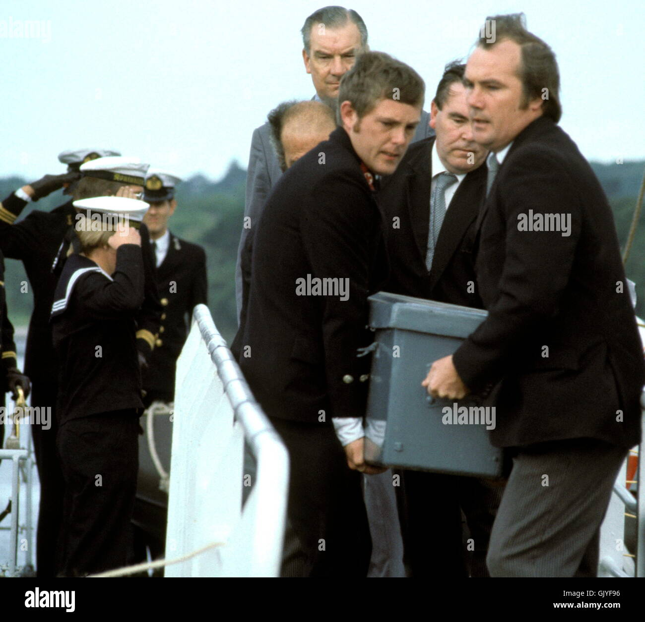 AJAX NEWS & FEATURE SERVICE. 16TH AUGUST, 1979. PLYMOUTH, ENGLAND. - FASTNET RACE END - VICTIM OF THE WORST - Stock Image