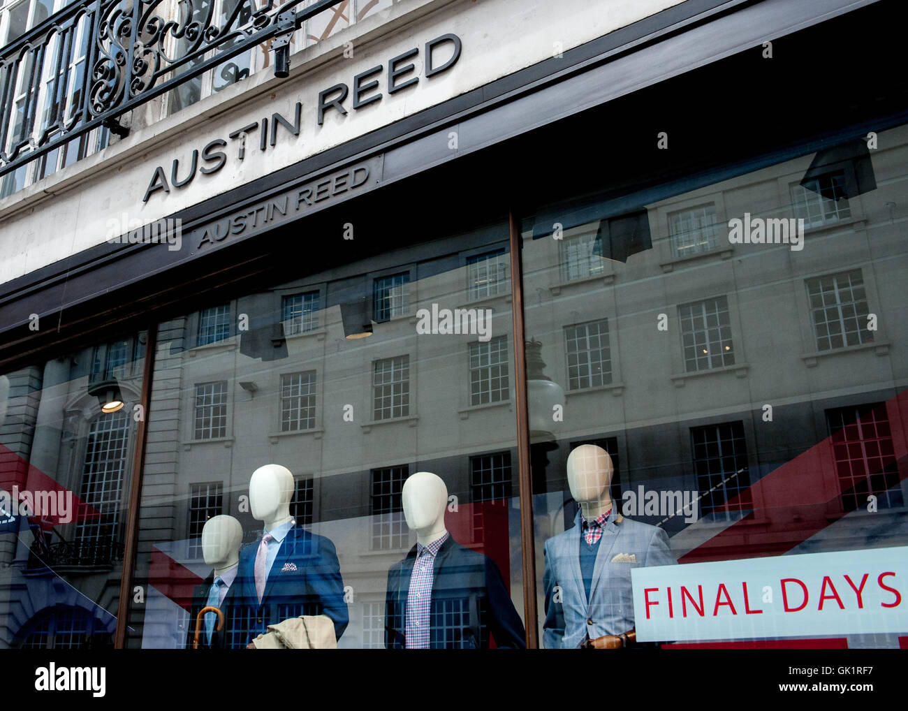 Austin Reed Goes Into Administration Putting Thousands Of Jobs At Stock Photo Alamy