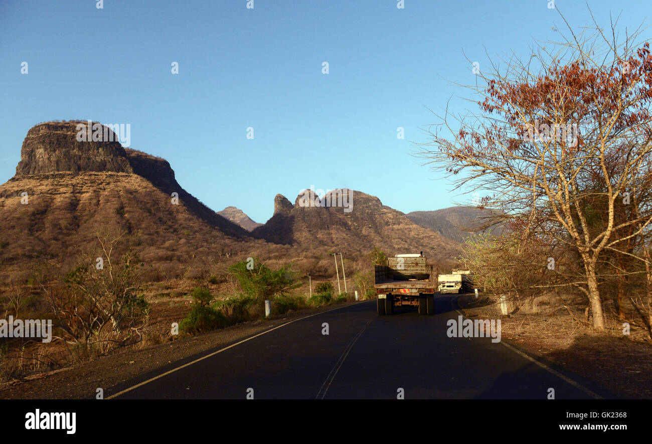 Dramatic landscape along the road to Humera on the border of Ethiopia and Eritrea and Sudan. - Stock Image
