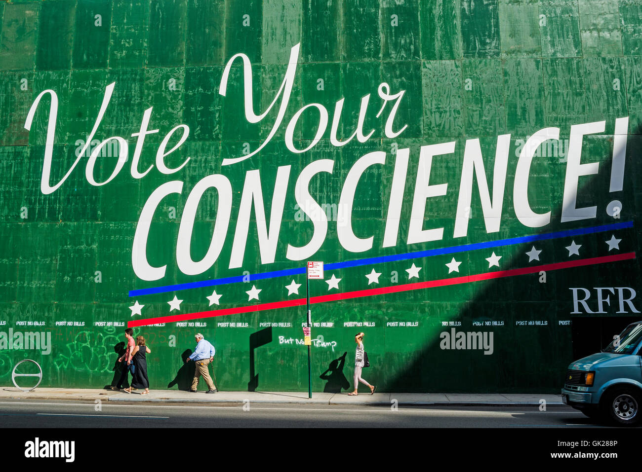 New York, USA 17 August 2016 - Developer Aby Rosen billboarrd avdertisement quoting former presidential candidate - Stock Image