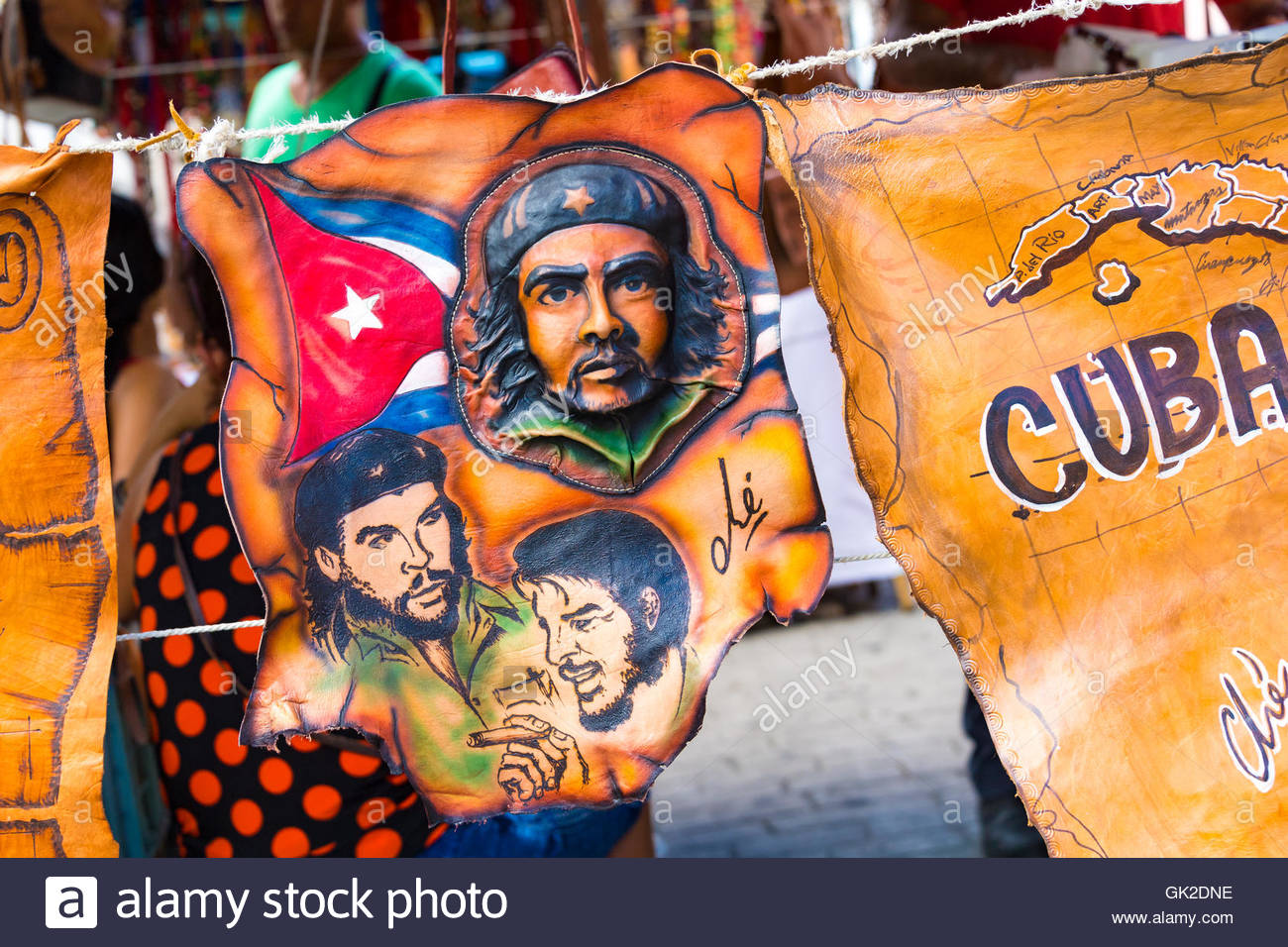 Cuba tourism: leather souvenirs stand. Che Guevara images. - Stock Image
