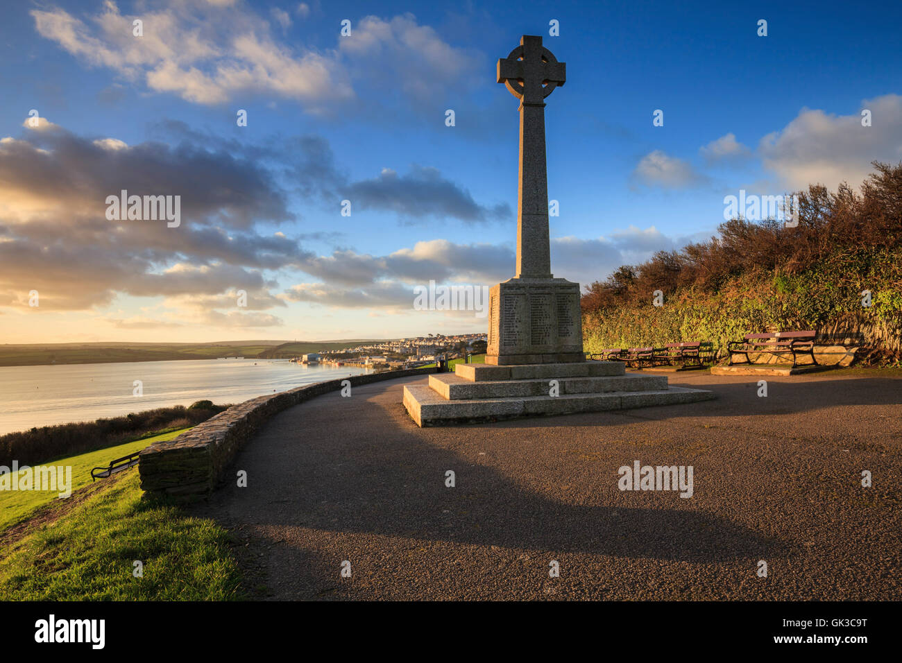 A Celtic Cross above the Cornish port of Padstow. - Stock Image