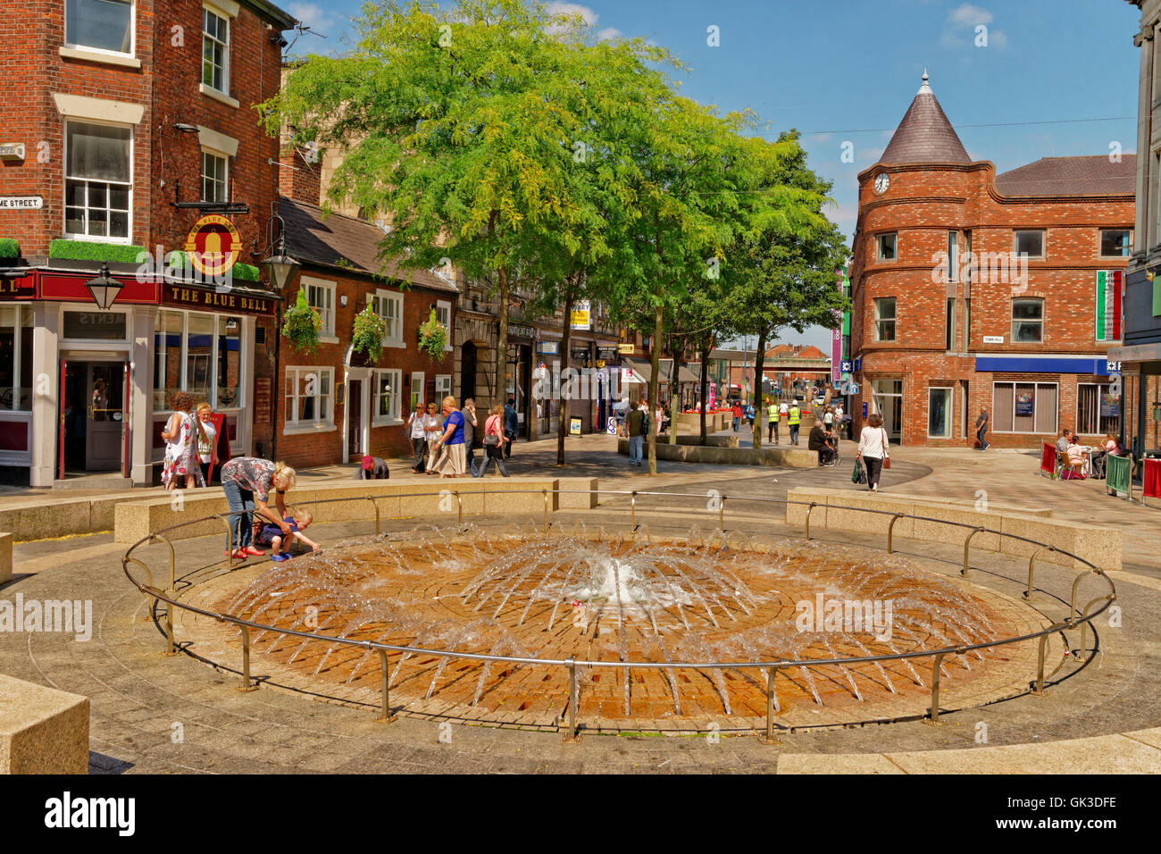 Fountains on pedestrianised Horsemarket Street at Warrington Town Centre, Cheshire. Stock Photo