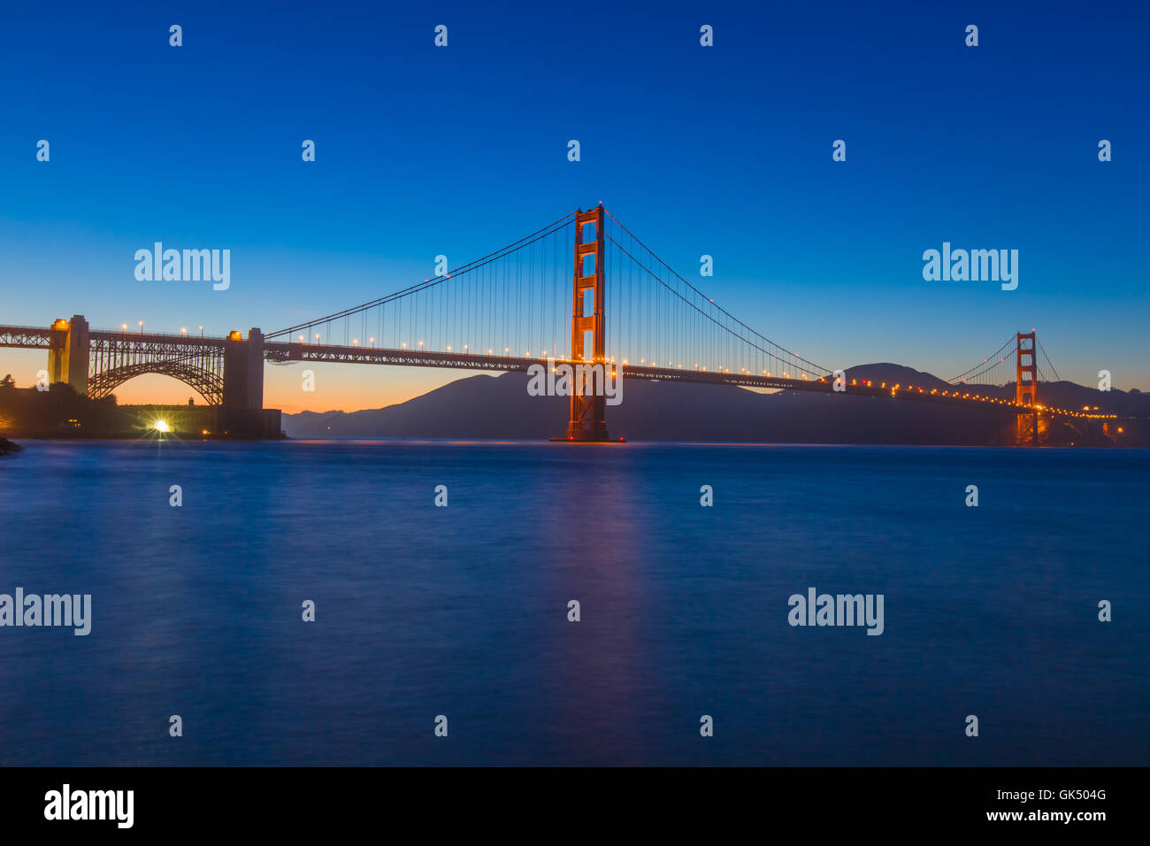 Golden Gate Bridge in San Francisco CA at night - Stock Image