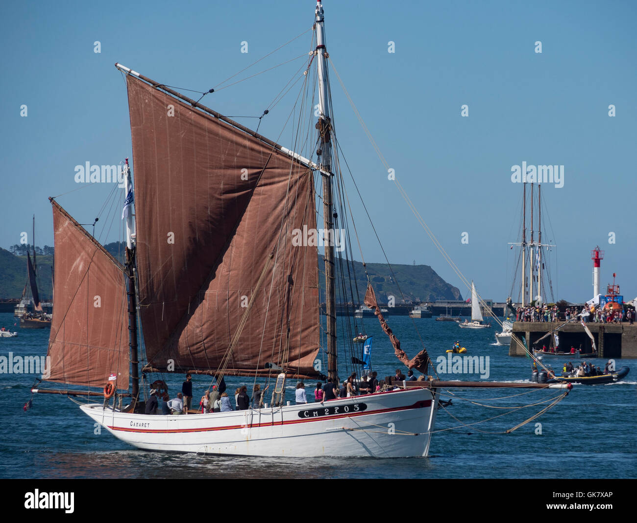 BELLE ÉTOILE (CM 2705) , full  sails, sailing in the port of Brest, during the Brest's International Maritime - Stock Image