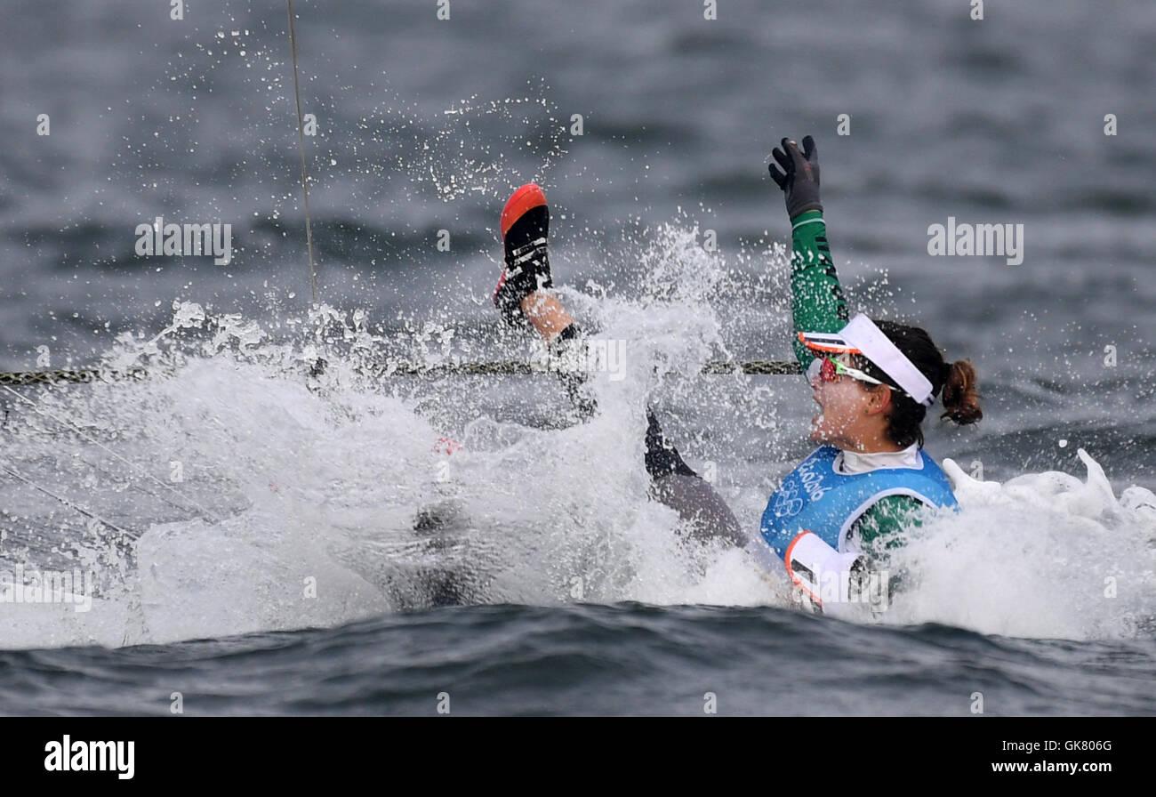 Rio De Janeiro, Brazil. 18th Aug, 2016. Brazil's Martine Grael celebrates after the -49er fx women medal race - Stock Image
