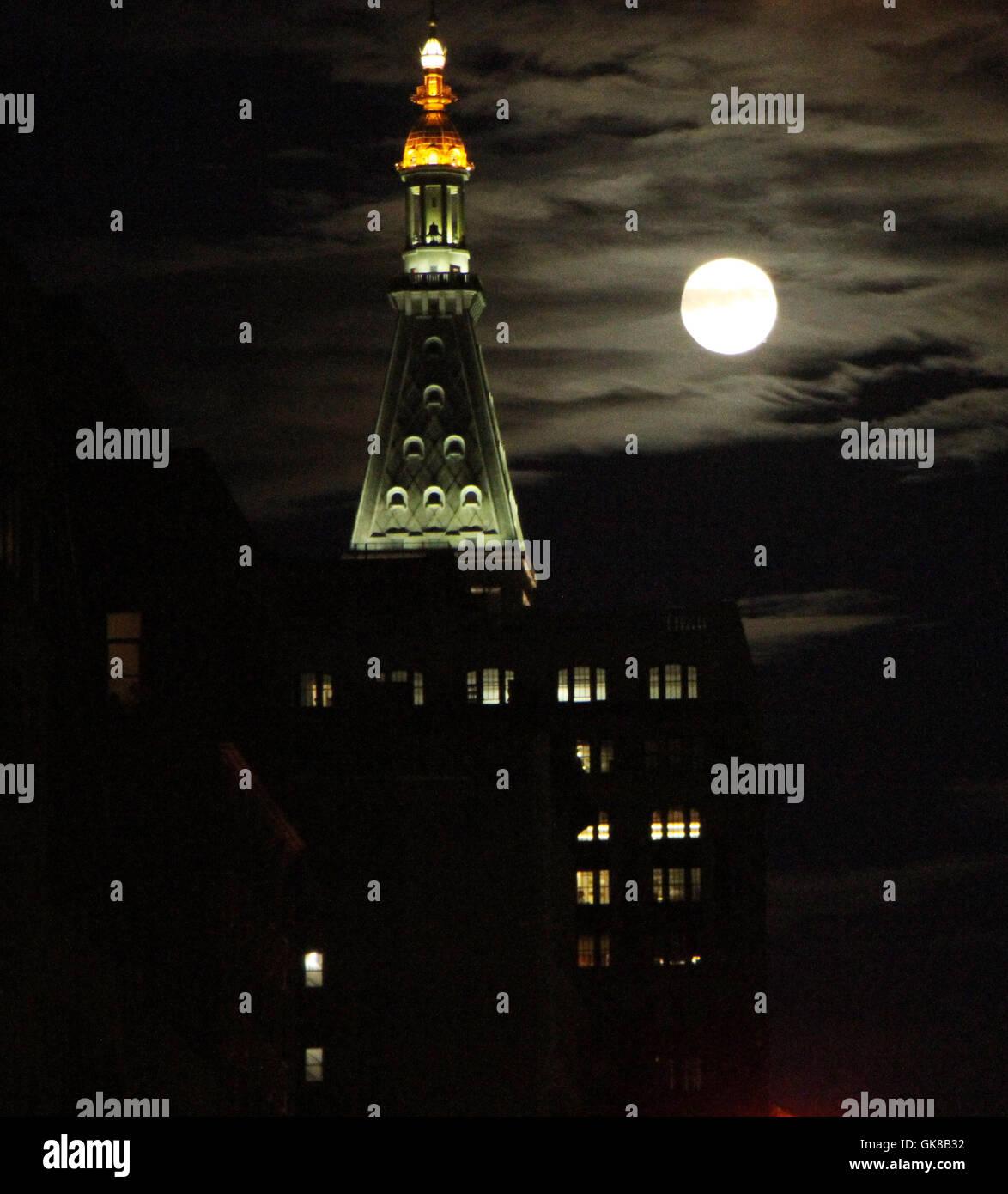 NEW YORK, NY-August 17:  Full Sturgeon Moon in New York. August 17, 2016. Credit:RW/IMediaPunch - Stock Image